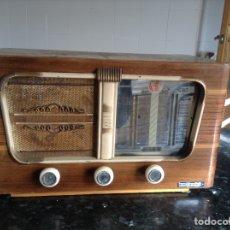 Radios de válvulas: RADIO VINIX CARCASA MADERA MIDE EN CMS (42X23X24). FUNCIONA A 125 Y 220V. Lote 114628075