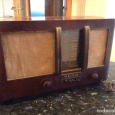 Radios de válvulas: RADIO CARCASA E MADERA. MIDE EN CMS (48X21X29). NO FUNCIONA. Lote 114632362