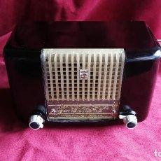 Radios de válvulas: PHILIPS PHILETTA BD233U-K, AÑO 1.953, CON FM ,FUNCIONANDO PERFECTA (VER VIDEO). Lote 115469347