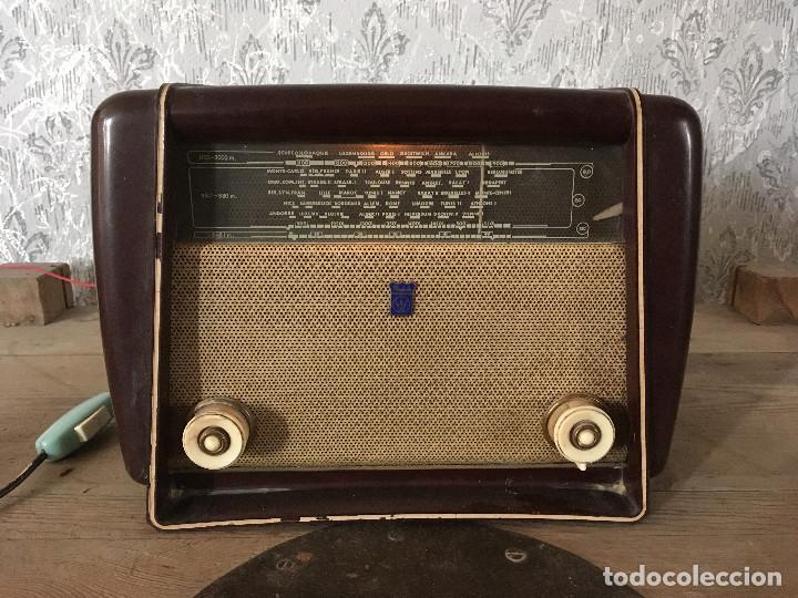 RADIO RADIOLA BAQUELITA CON INTERRUPTOR.220V (Radios, Gramófonos, Grabadoras y Otros - Radios de Válvulas)