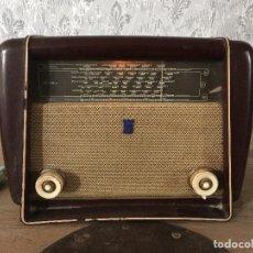 Radios de válvulas: RADIO RADIOLA BAQUELITA CON INTERRUPTOR.220V. Lote 115745899