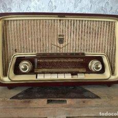 Radios de válvulas: RADIO GRUNDIG GRANATE FUNCIONA AM 220V. Lote 115746639