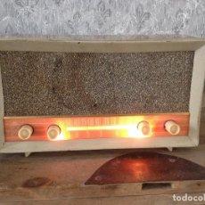 Radios de válvulas: RADIO RUISEÑOR FUNCIONANDO 125 V. ESPAÑA 1955. Lote 116065403