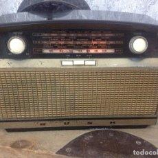 Radios de válvulas: RADIO BUSH VHF 80.CON FM.FUNCIONANDO 220 V. SUENA MUY BIEN. Lote 116135351