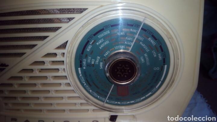 Radios de válvulas: Pequeña Radio Radiola.Funcionando - Foto 3 - 116815447