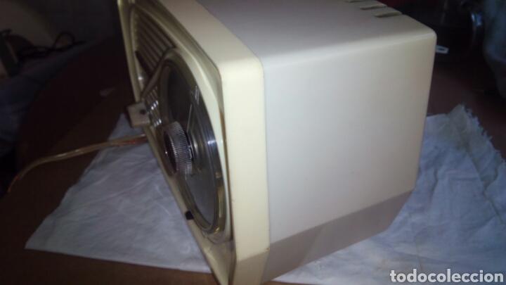 Radios de válvulas: Pequeña Radio Radiola.Funcionando - Foto 6 - 116815447