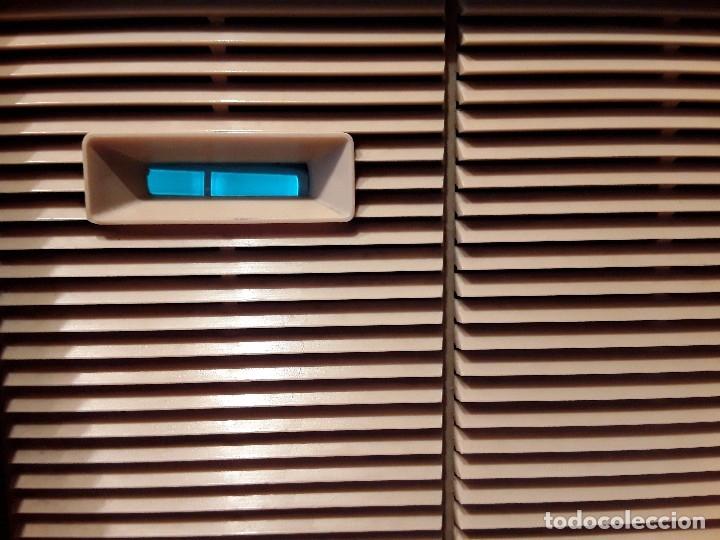 Radios de válvulas: Antigua radio válvulas phillips, funcionando, madera. - Foto 2 - 116989147