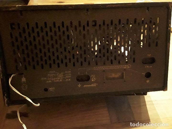 Radios de válvulas: Antigua radio válvulas phillips, funcionando, madera. - Foto 8 - 116989147