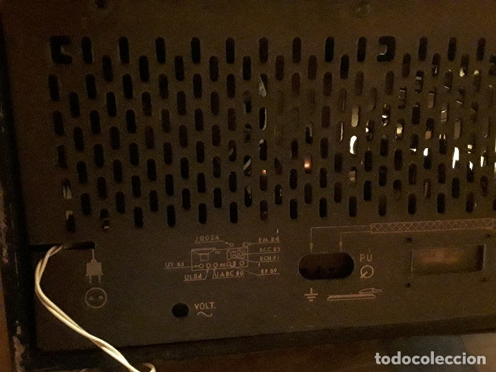 Radios de válvulas: Antigua radio válvulas phillips, funcionando, madera. - Foto 10 - 116989147