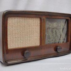 Radios de válvulas: ANTIGUA RADIO DE VÁLVULAS MARCA NORDMENDE, MUY BIEN ESTETICAMENTE, FUNCIONANDO, CON FM, VER VÍDEO.. Lote 134742107