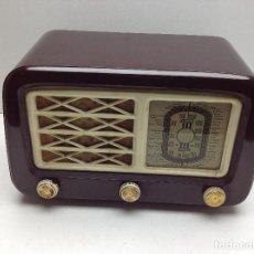 Radios de válvulas: ANTIGUA RADIO DE BAQUELITA A VALVULAS - NO PROBADA. Lote 118097147