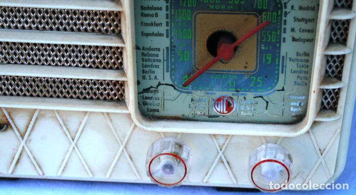 Radios de válvulas: AUTENTICA RADIO DECORACION VINTAGE MARCA VICA SUENA PERFECTAMENTE AÑOS 60 LEER MAS - Foto 5 - 118251007