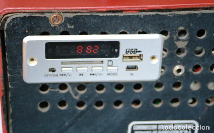 Radios de válvulas: AUTENTICA RADIO DECORACION VINTAGE MARCA VICA SUENA PERFECTAMENTE AÑOS 60 LEER MAS - Foto 7 - 118251007