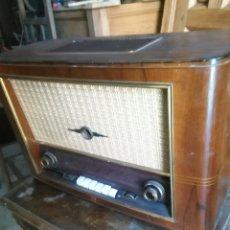 Radios de válvulas: ANTIGUA RADIO DE VALVULAS PHILIPS. Lote 118575590