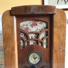 Radios de válvulas: RADIO DE VÁLVULAS MUY ANTIGÜO. Lote 119362911