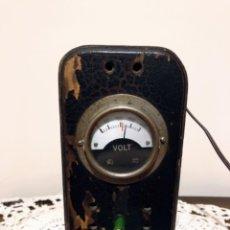 Radios de válvulas: ELEVADOR REDUCTOR (TRANSFORMADOR), DE 125V,ANTIGUO.. Lote 119449187