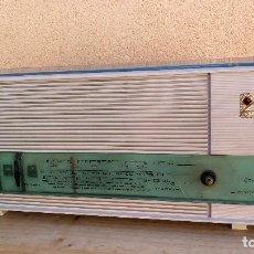 Radios de válvulas: ANTIGUA RADIO TRANSISTOR DE VÁLVULAS MARCA CAMPING MODELO MF-7 PARA DECORACIÓN O REPARACIÓN . Lote 121491295