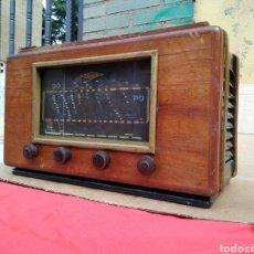 Radios de válvulas: ESPECTACULAR RADIO DE VÁLVULAS RADIALVA MODELO RARO. Lote 122218463