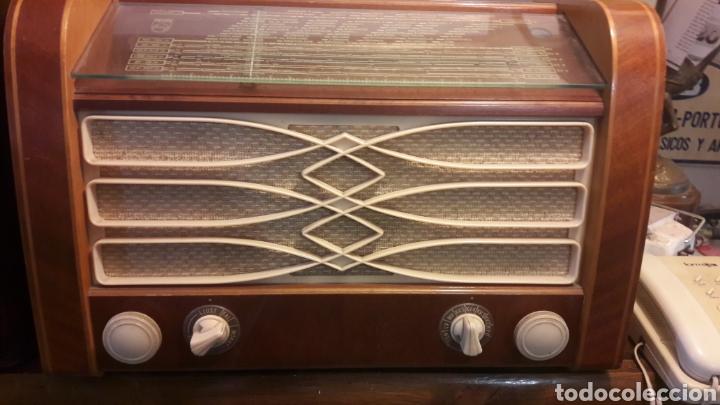 Radios de válvulas: Radio Philips toda original funcionando - Foto 2 - 124087131
