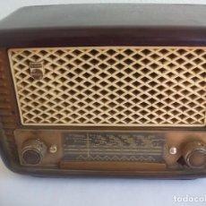Radios de válvulas: ANTIGUA RADIO PHILIPS TIPO BE-241-U DE BAQUELITA,A 125 VOLTIOS. SIN TESTAR.. Lote 125429643