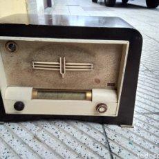 Radios de válvulas: ANTIGUA RADIO DE VÁLVULAS. Lote 128629507