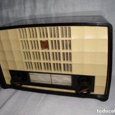 Radios de válvulas: PRECIOSO RADIO PHILIPS HOLANDÉS MOD BX 156U FUNCIONA !!. Lote 125883267