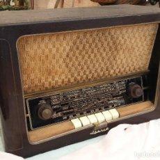 Radios de válvulas: RADIO DE VÁLVULAS ANTIGUA. MARCA IBERIA. AÑOS 60-70. Lote 125963571