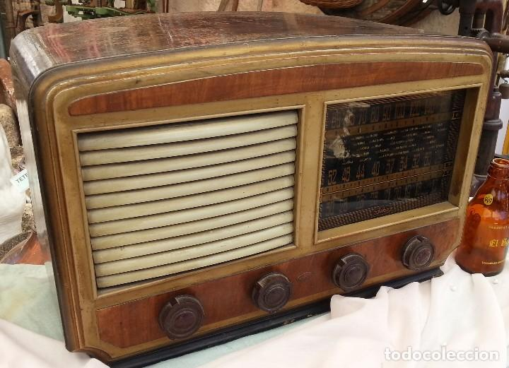 RADIO DE VÁLVULAS ANTIGUA. MARCA INTER. AÑOS 60-70 (Radios, Gramófonos, Grabadoras y Otros - Radios de Válvulas)