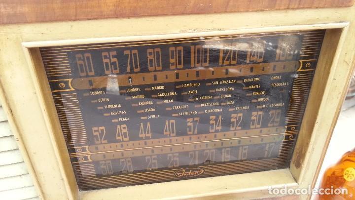 Radios de válvulas: Radio de válvulas antigua. Marca INTER. Años 60-70 - Foto 5 - 125964067