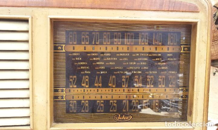 Radios de válvulas: Radio de válvulas antigua. Marca INTER. Años 60-70 - Foto 8 - 125964067