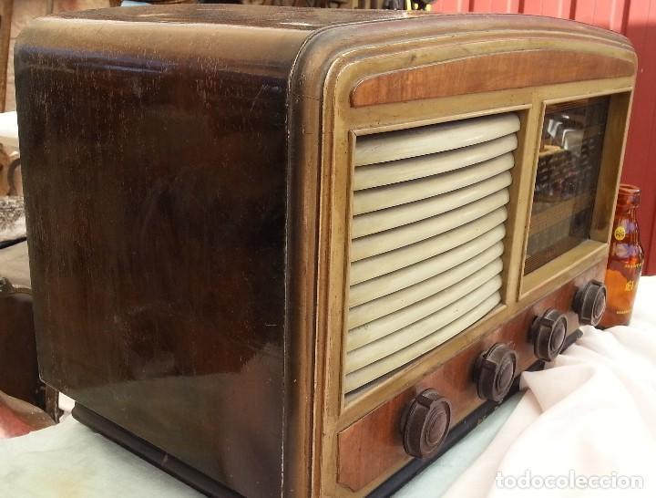 Radios de válvulas: Radio de válvulas antigua. Marca INTER. Años 60-70 - Foto 9 - 125964067