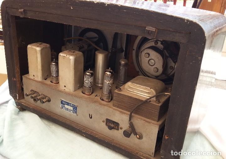 Radios de válvulas: Radio de válvulas antigua. Marca INTER. Años 60-70 - Foto 11 - 125964067
