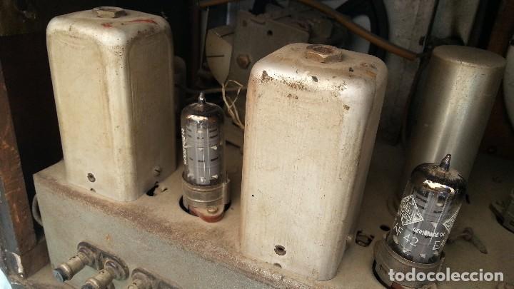Radios de válvulas: Radio de válvulas antigua. Marca INTER. Años 60-70 - Foto 12 - 125964067