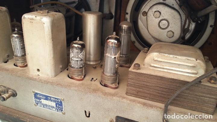 Radios de válvulas: Radio de válvulas antigua. Marca INTER. Años 60-70 - Foto 13 - 125964067