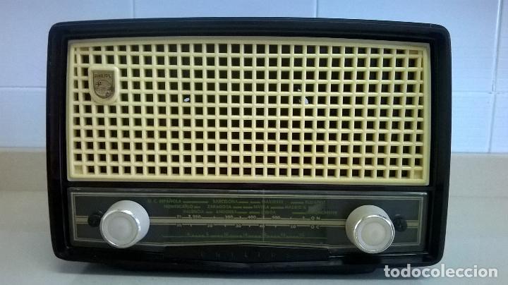 RADIO.PHILIPS.DE BAQUELITA.MEDIDA 25X13 (Radios, Gramófonos, Grabadoras y Otros - Radios de Válvulas)