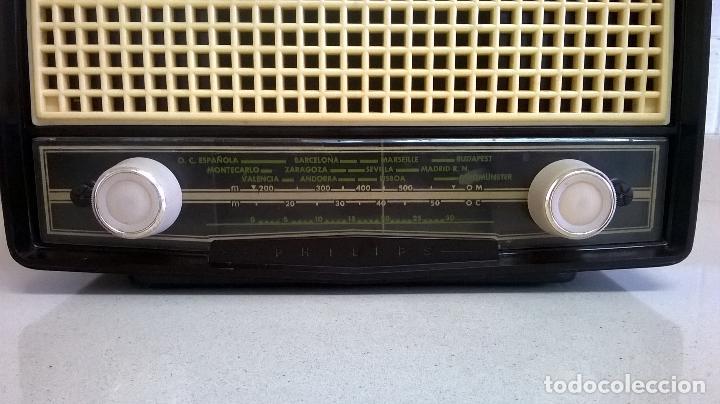 Radios de válvulas: Radio.Philips.De baquelita.Medida 25x13 - Foto 2 - 126311075