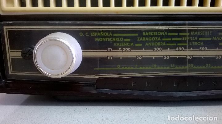 Radios de válvulas: Radio.Philips.De baquelita.Medida 25x13 - Foto 3 - 126311075