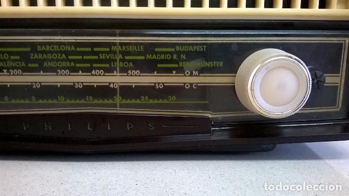 Radios de válvulas: Radio.Philips.De baquelita.Medida 25x13 - Foto 4 - 126311075
