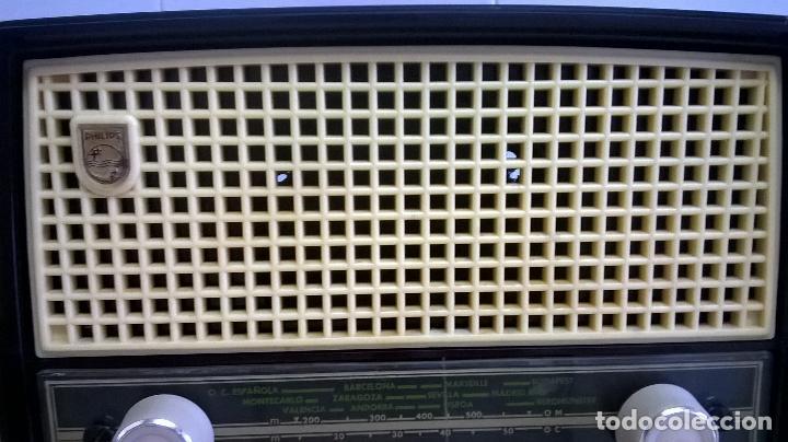 Radios de válvulas: Radio.Philips.De baquelita.Medida 25x13 - Foto 7 - 126311075
