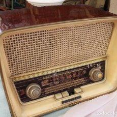 Radios de válvulas: RADIO DE VÁLVULAS ANTIGUA. MARCA TELEFUNKEN CAMPANELA. PRECIOSO OBJETO AÑOS 60-70. Lote 126325183