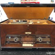 Radios de válvulas: RADIO TOCADISCOS PHILIPS H6E84A. Lote 126499562