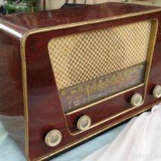 Radios de válvulas: RADIO DE VÁLVULAS ANTIGUA. MARCA INTER BERING. PRECIOSO OBJETO AÑOS 60-70. Lote 128000519