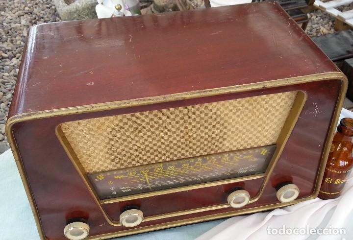 Radios de válvulas: Radio de válvulas antigua. Marca INTER BERING. Precioso objeto años 60-70 - Foto 3 - 128000519