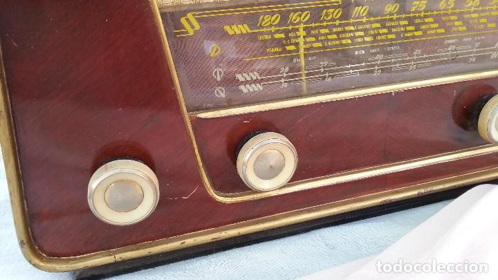 Radios de válvulas: Radio de válvulas antigua. Marca INTER BERING. Precioso objeto años 60-70 - Foto 4 - 128000519