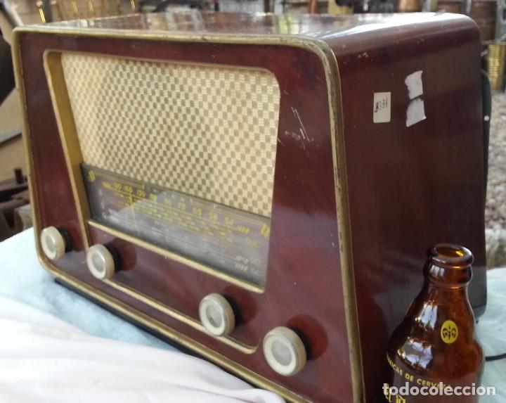 Radios de válvulas: Radio de válvulas antigua. Marca INTER BERING. Precioso objeto años 60-70 - Foto 7 - 128000519