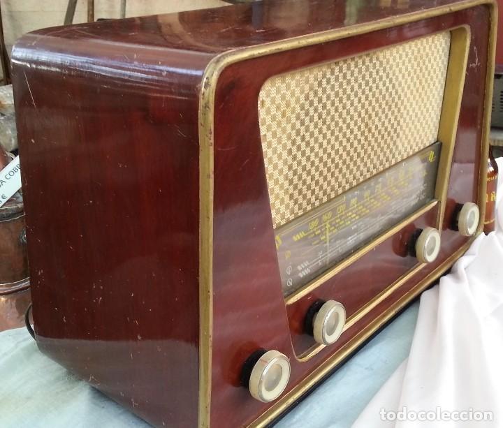 Radios de válvulas: Radio de válvulas antigua. Marca INTER BERING. Precioso objeto años 60-70 - Foto 8 - 128000519