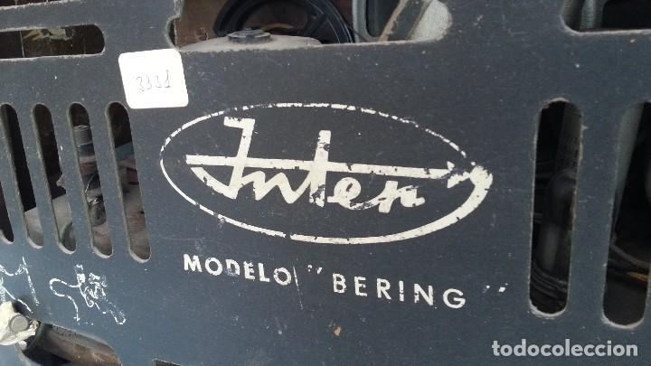 Radios de válvulas: Radio de válvulas antigua. Marca INTER BERING. Precioso objeto años 60-70 - Foto 10 - 128000519
