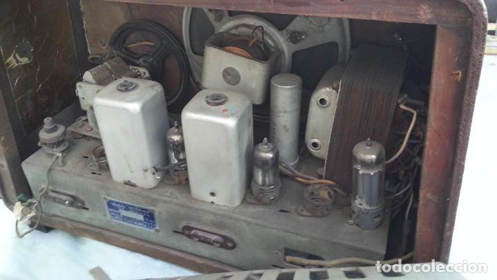 Radios de válvulas: Radio de válvulas antigua. Marca INTER BERING. Precioso objeto años 60-70 - Foto 11 - 128000519