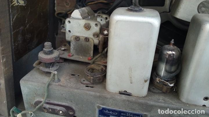 Radios de válvulas: Radio de válvulas antigua. Marca INTER BERING. Precioso objeto años 60-70 - Foto 12 - 128000519