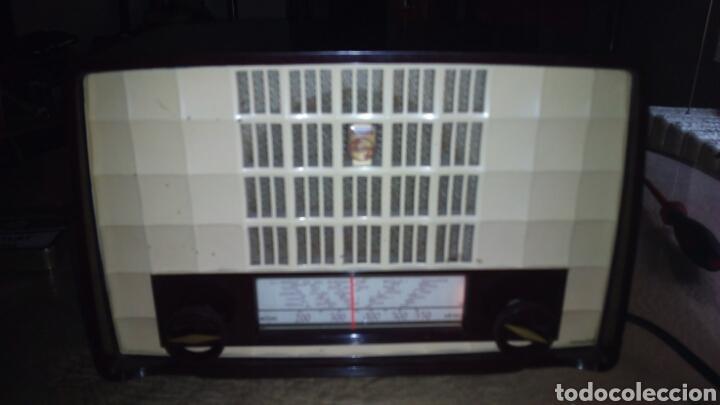 Radios de válvulas: Pequeña Radio Philips BX135U/81 Funcionando - Foto 2 - 128113807